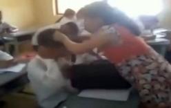 Cô giáo mang bầu túm tóc, đánh nam sinh tới tấp ngay trong lớp học