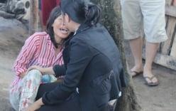 Mẹ khóc ngất bên thi thể con trai 12 tuổi bị xe container cán