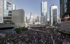 Người biểu tình bao vây Văn phòng Trưởng Đặc khu hành chính Hong Kong