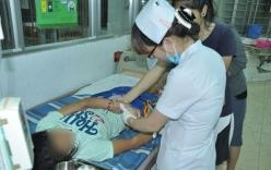Hai thanh niên bịt mặt dùng dao rạch mông nữ sinh
