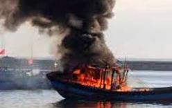 Tiền Giang: Tàu cá 70 tấn bốc cháy, thiệt hại gần 1 tỷ đồng