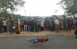 Phát hiện tài xế xe ôm bị đâm chết bên đường