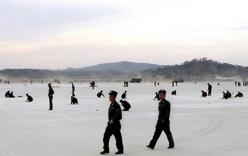 Xem binh sĩ Triều Tiên tay không xây sân bay quốc tế