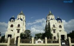 Cận cảnh lâu đài đôi choáng ngợp của đại gia Ninh Bình