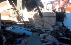 Xe tải mất lái lao thẳng vào nhà dân, một bà cụ bị thương nặng