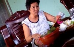 """""""Làng xem bói"""" Tây Ninh: Vừa lên đồng, vừa xem tivi và ăn nhậu"""