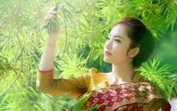 """Vẻ đẹp """"vạn người mê"""" của hot girl người Lào"""