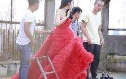 Cận cảnh váy cưới nửa tỉ đồng của ca sỹ Thủy Tiên