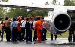 Đưa hai thi thể nạn nhân QZ8501 về với người thân (cập nhật)