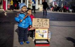 Mẹ rao bán con trai lấy tiền chữa bệnh cho con gái