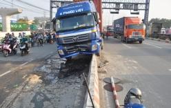 """Tài xế buồn ngủ, xe container """"đại náo"""" xa lộ Hà Nội"""