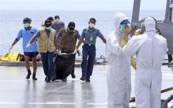 Thâm nhập thân máy bay QZ8501, thợ lặn phát hiện thêm nhiều thi thể