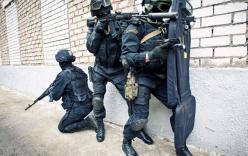 Xem cảnh sát đặc nhiệm Moscow tập luyện với trang bị