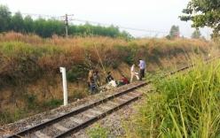 Nằm trên đường ray, nam thanh niên bị tàu đâm tử vong