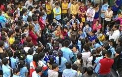 Hàng trăm công nhân ngừng việc vì... bức xúc thưởng Tết