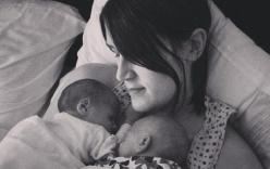Người phụ nữ không tử cung, không buồng trứng vẫn sinh đôi 2 con gái