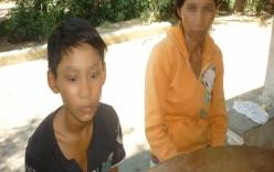 Sát hại hàng xóm mặc hai con nạn nhân quỳ gối van xin