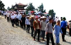 Ngàn người về đảo Yến thành kính viếng mộ đại tướng Võ Nguyên Giáp