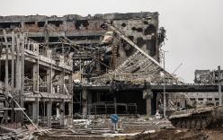 """Chùm ảnh: Nỗi đau """"ngày tận thế"""" tái hiện tại miền đông Ukraine"""