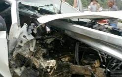 Hiện trường vụ ô tô đâm xuyên lan can cao tốc Nội Bài, Lào Cai