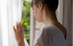 Vợ tức tưởi đòi ly hôn vì 2 năm lấy chồng vẫn là con gái