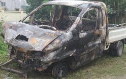 Xe tải bốc cháy ngùn ngụt, hai người thương vong