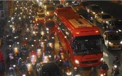 Báo Mỹ: Nhà giàu Việt mua 21.700 ô tô năm 2014, bà bán hoa quả thu 100.000đ/ngày