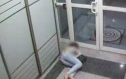 Tiếp viên hàng không say xỉn bị sếp phát hiện