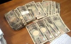 Người mua ve chai có thể hưởng 5 triệu yen Nhật nhặt được