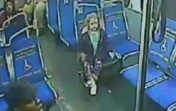 Cô bé 4 tuổi nửa đêm tự bắt xe bus để mua nước uống