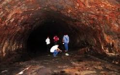 Phát hiện hang động trên cao nguyên đá Đồng Văn