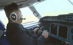 Video: Kim Jong-un tự lái máy bay điêu luyện