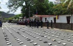 Phát hiện 1 tấn cocain tại hiện trường máy bay Venezuela rơi