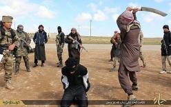 IS dùng dao bổ củi hành quyết người bị buộc tội phỉ báng