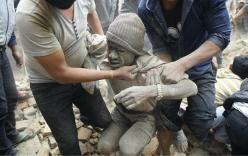 Gần 1.000 người thiệt mạng sau động đất 7,9 độ Richter ở Nepal