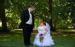 Xúc động đám cưới của cô gái bị bệnh xương thủy tinh