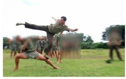 Clip: Gây sự nhầm bộ đội đặc công, đầu gấu bị đánh no đòn