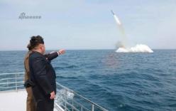 Kim Jong-un đích thân giám sát vụ phóng tên lửa đạn đạo từ tàu ngầm