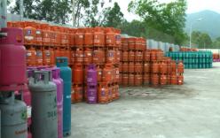 Cận cảnh cơ sở tàng trữ trái phép hơn 1 vạn vỏ bình gas