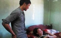 Quảng Bình: Bà mẹ mang thai tự nhiên 4 em bé hiếm gặp