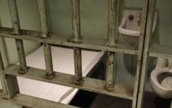 Trại giam phải thả tù nhân vì... hết thức ăn
