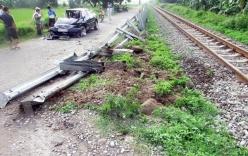 Tai nạn giao thông, tàu hỏa đâm nát ô tô ở Hải Dương