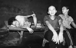 Kỳ lạ 3 chị em sống như người nguyên thủy ở Hà Tĩnh