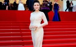 Video: Lý Nhã Kỳ lộng lẫy bên dàn sao trên thảm đỏ Cannes lần thứ 68