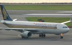 """Máy bay Singapore """"chết"""" hai động cơ giữa trời"""