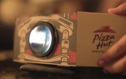 Video biến hộp Pizza và smartphone thành máy chiếu mini tại gia