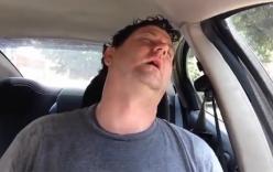 Ngồi trong xe dưới trời nắng tự thí nghiệm sốc nhiệt và cách tránh nắng nóng