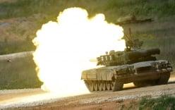 """Clip: Những vũ khí """"khủng"""" của Nga phô diễn uy lực"""
