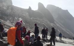 Video: Động đất trên núi cao nhất Malaysia, hơn trăm người mắc kẹt