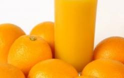Bà bầu có nên uống nhiều nước cam không ?